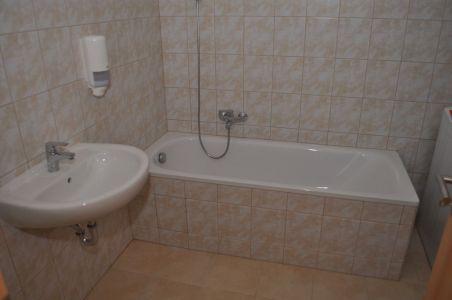 G lakás - fürdő