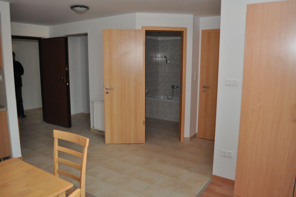 A5 lakás - előtér