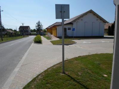 Parkoló bejárat