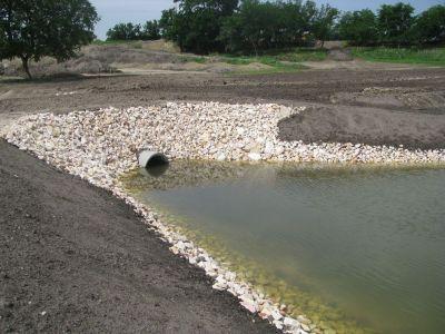 Áteresz - víz befolyás